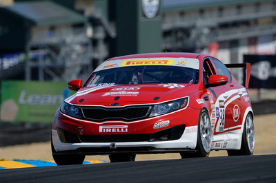 Kia Racing in hot pursuit of Pirelli World Challenge Championship in Houston.  (PRNewsFoto/Kia Motors America)