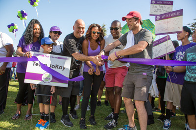 (From left to right) Jo Koy, Comedian and Master of Ceremonies; Mercedes Yvette of America's Next Top Model; Randall Winston, National Board Member, Lupus Society of America; Ian Harding of ABC Family's Pretty Little Liars; lend their support to Walk to End Lupus Now(TM),  America's largest lupus walk program that raises funds for lupus research and education programs in the Los Angeles area.  (PRNewsFoto/Lupus Foundation of America)