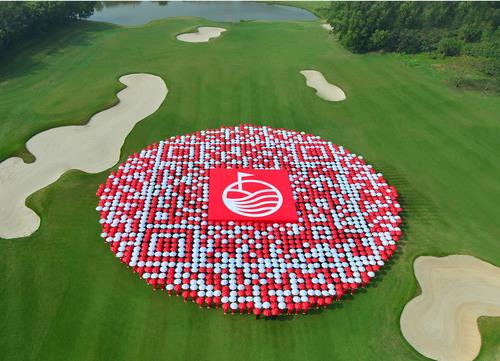 World's Largest Golf Club & Spa Resort Creates World's Biggest QR Code