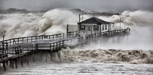 Superstorm Sandy battered the New York metropolitan region nearly two years ago, killing 60 people and piling up an estimated $65 billion in damages. (PRNewsFoto/Lincoln Institute of Land Policy)