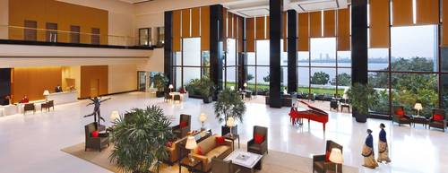 The Lobby, The Oberoi, Mumbai (PRNewsFoto/Oberoi Hotels and Resorts)