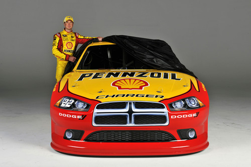Kurt Busch and the No. 22 Shell-Pennzoil Dodge.   (PRNewsFoto/Shell Oil Company, Brian Czobat)