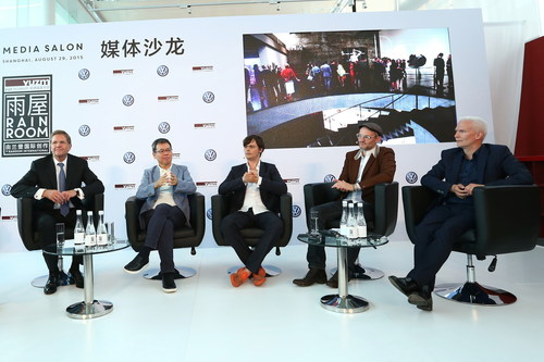 Mediasalon: Talk at the opening of Rainroom in Shanghai Prof. Dr Jochem Heizmann, President and CEO of Volkswagen Group China and member of the Executive Board of Volkswagen AG; Budi Tek, Founder of Yuz-Museum; Hannes Koch, artist and founder Random International; Florian Ortkrass, artist and founder Random International; Klaus Biesenbach, Director MoMA PS1 und Curator at Large at MoMA (from left to right). (PRNewsFoto/VW Volkswagen AG) (PRNewsFoto/VW Volkswagen AG)