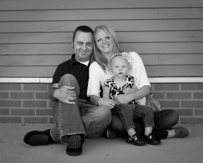 This wonderful photograph of Andrew, Heather and Haley Weaver was made possible by the SynCardia Total Artificial Heart that bridged Andrew to his donor heart transplant. (PRNewsFoto/SynCardia Systems, Inc.)