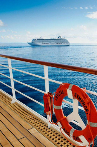 Crystal Ships Voted #1 And #2 Medium-Size Ships In The World By Conde Nast Traveler Readers