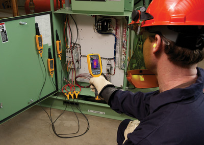 """""""The Fluke Ti125 Infrared Camera and CNX Wireless Test Tools were designed with tremendous input from engineers and technicians, like the readers of Consulting-Specifying Engineer,"""" said Paul de la Port, Vice President, Fluke Thermography. """"They rely on rugged, innovative test tools to get their jobs done, so receiving their votes in these awards is significant validation."""" (PRNewsFoto/Fluke Corporation) (PRNewsFoto/FLUKE CORPORATION)"""