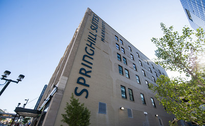 The SpringHill Suites Milwaukee Downtown opens today in the historic Commerce Building. The hotel is the newest and closest hotel to the Wisconsin Center convention center and is connected to the Milwaukee skywalk system.