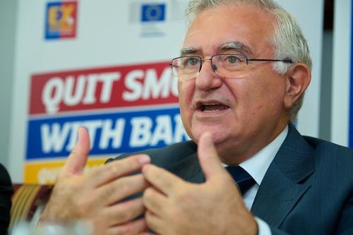 FC Barcelona og Europa-Kommissionen i fælles indsats for at sparke rygningen af banen i Europa