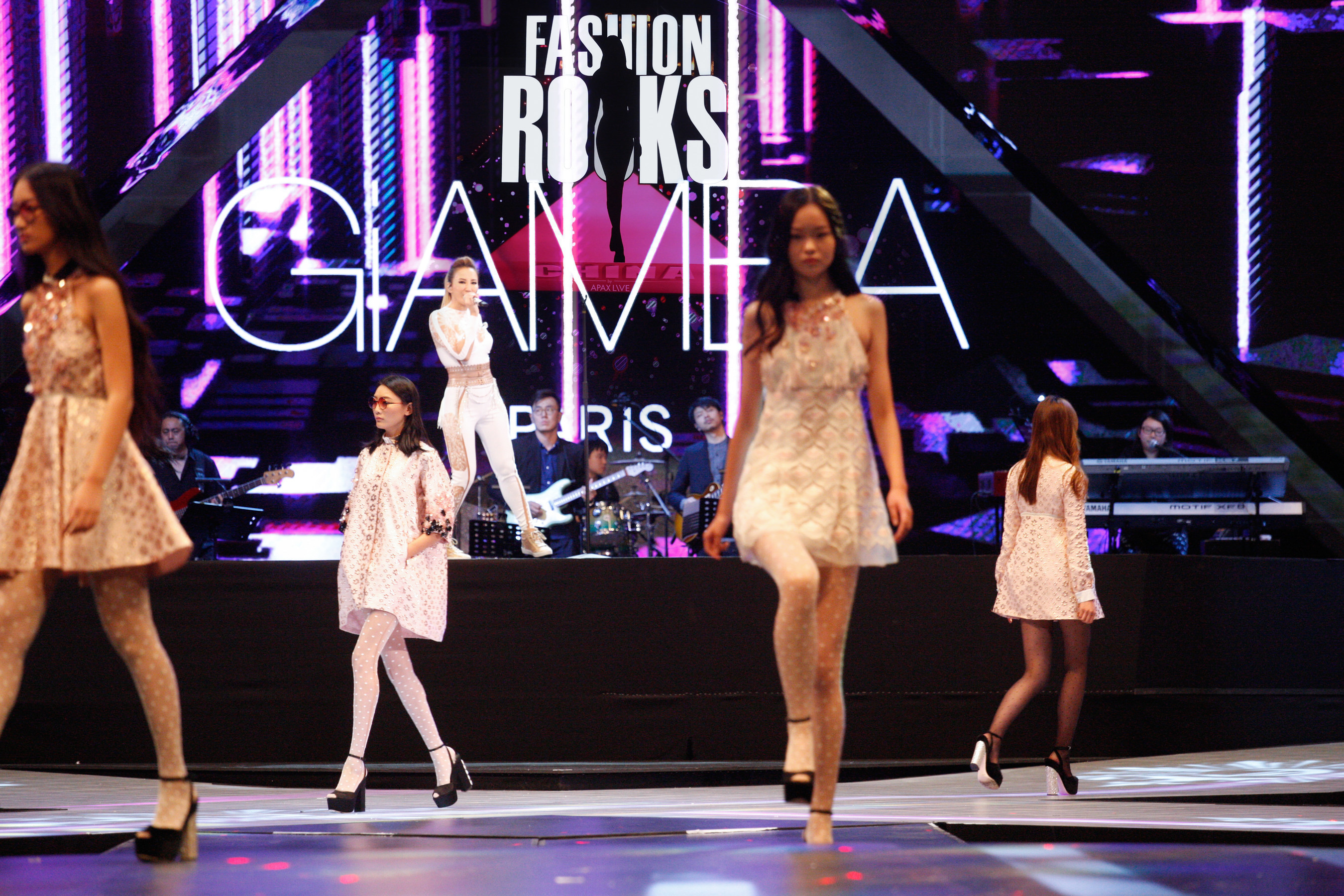 CoCo Lee x Giamba, Shanghai, 14th Oct 2016, First Fashion Rocks in Asia presented by APAX LIVE