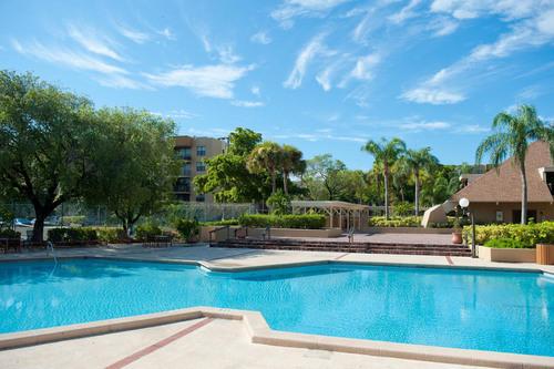 Waterton Associates purchases Watermarke Biscayne Bay in North Miami, FL.  (PRNewsFoto/Waterton Associates)