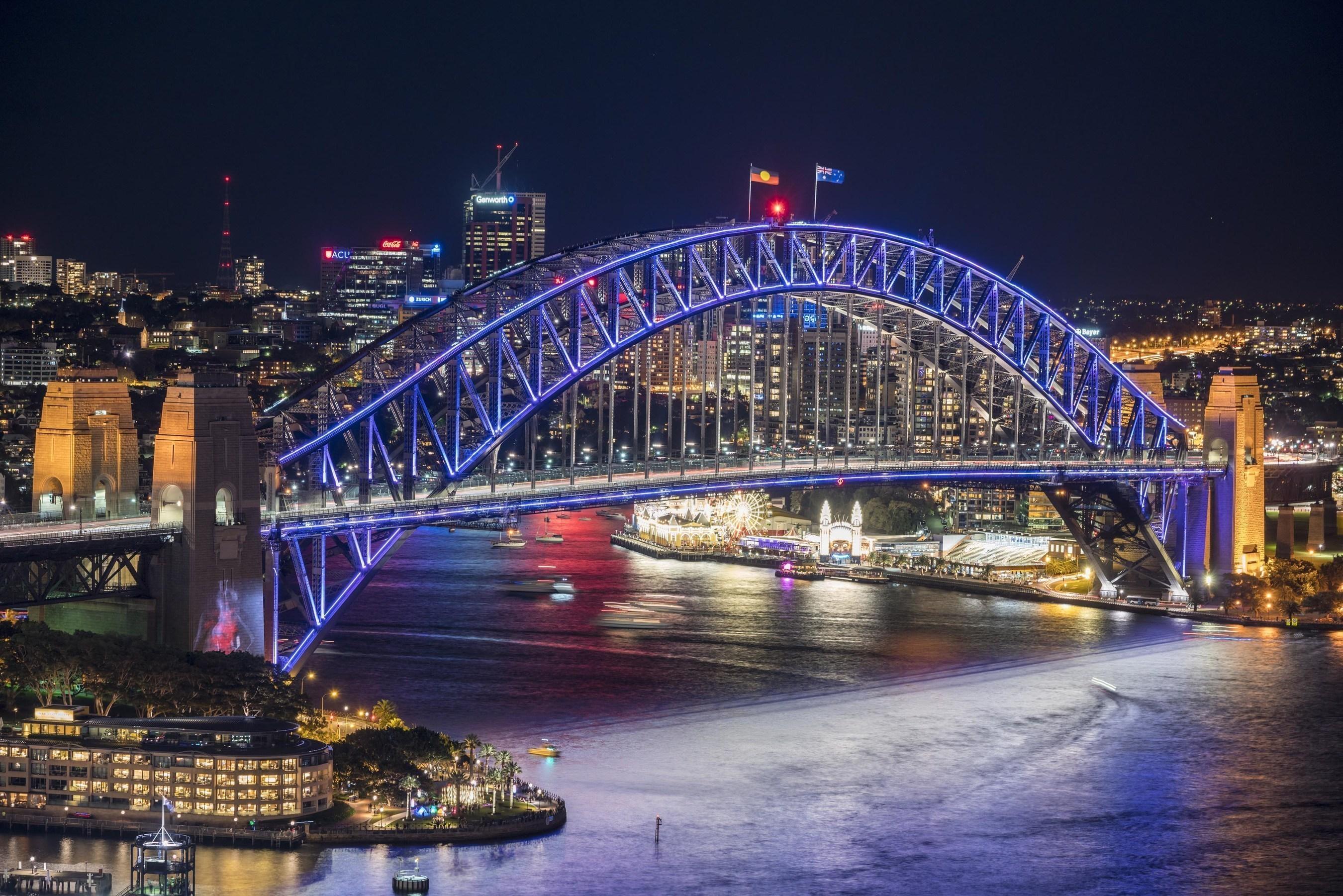 Vivid Sydney 2016 - Sydney Harbour bridge Destination NSW