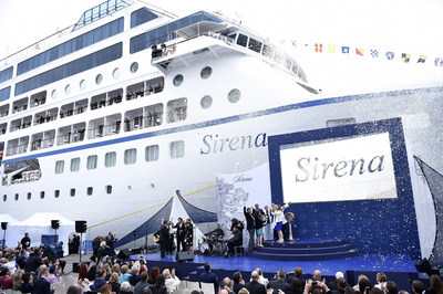 Alongside Claudine Pepin for the signature bottle-breaking moment were Norwegian Cruise Line Holdings CEO, Frank Del Rio; President and COO for Oceania Cruises, Jason Montague; and Claudine's father, legendary master chef Jacques Pepin.