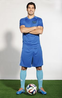 Uruguay and Liverpool Football Icon Luis Suarez Signs as Brand Ambassador for 888poker