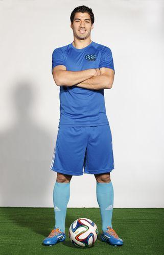 Uruguay and Liverpool Football Icon Luis Suarez Signs As Brand Ambassador For 888poker (PRNewsFoto/888poker_com)