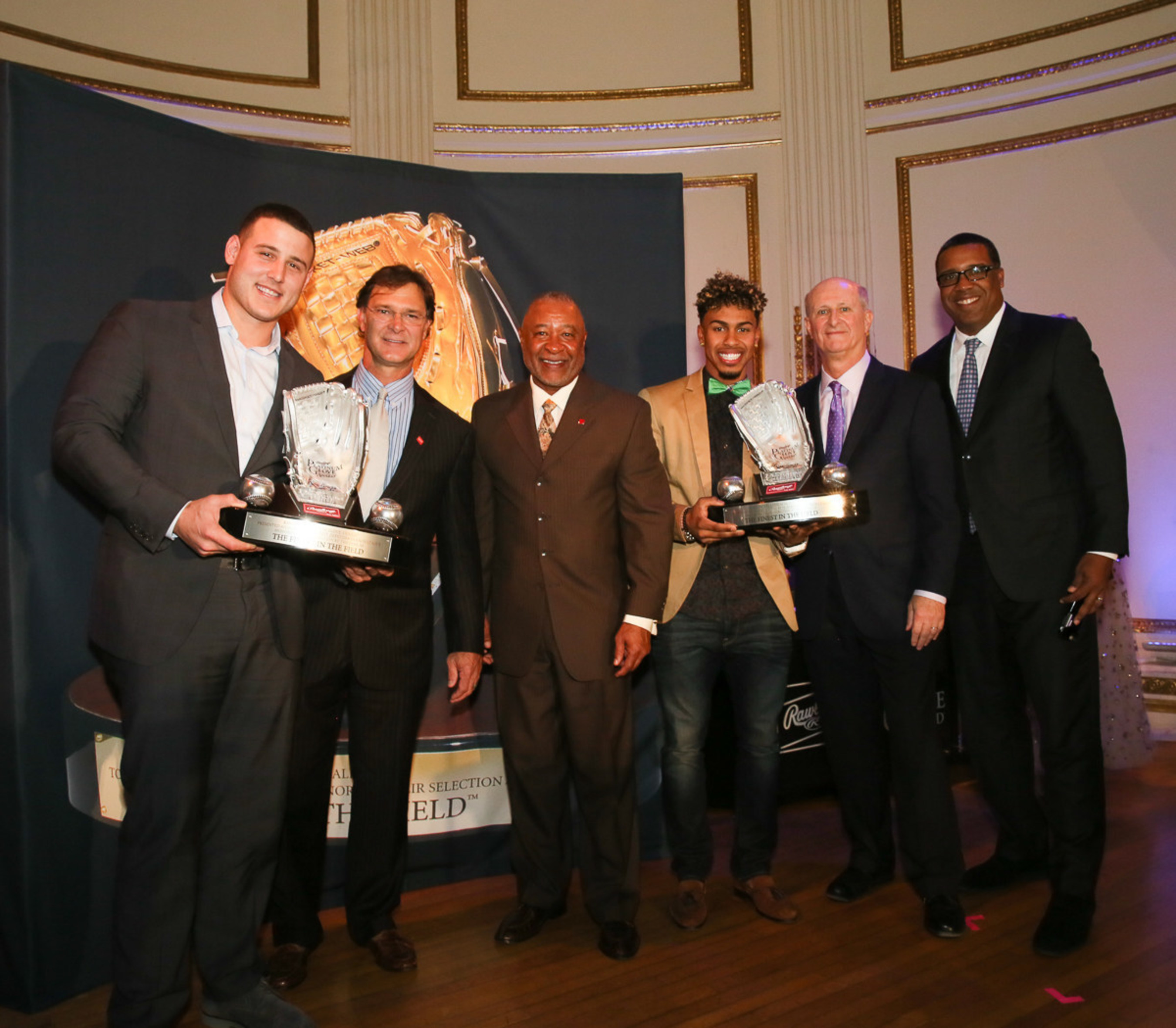 2016 Rawlings Platinum Glove Award Winners Anthony Rizzo and Francisco Lindor.