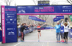 Deena Kastor 1st Place at More Magazine/Fitness Magazine Women's Half-Marathon (PRNewsFoto/Meredith Corporation)