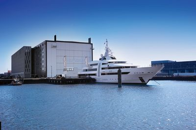 Home Again — Vibrant Curiosity returns to Oceanco