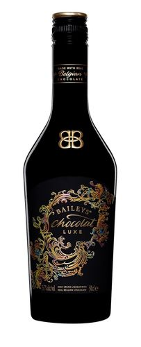 Baileys Chocolat Luxe Bottle Shot (PRNewsFoto/Diageo GTME)