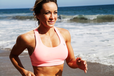 Fitness expert, entrepreneur, best-selling author, and television personality Michelle Bridges is bringing her global fitness empire, including The Michelle Bridges 12 Week Body Transformation online weight-loss program, to the U.S. To learn more, please visit www.MichelleBridges.com. (PRNewsFoto/Michelle Bridges) (PRNewsFoto/MICHELLE BRIDGES)