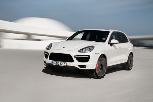 Porsche Introduces New Cayenne Turbo S with 550 hp