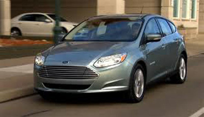 The 2013 Ford Focus Electric was designed to be safe and efficient and drivers can rely on the car to protect them in the event of a crash.  (PRNewsFoto/CarBuyersExpress.com)
