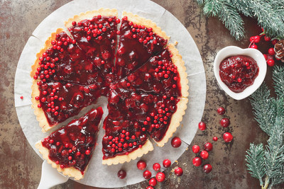 Cranberry provides assistance in cleaning out the urinary tract. Here is a tart made from cranberries.