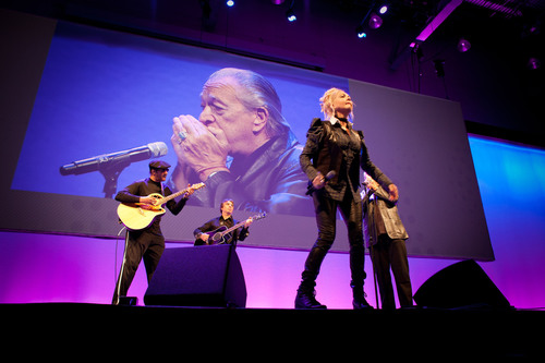 Cyndi Lauper and Charlie Musselwhite open Inbound 2012 Conference where HubSpot 3 Launches.  (PRNewsFoto/HubSpot)