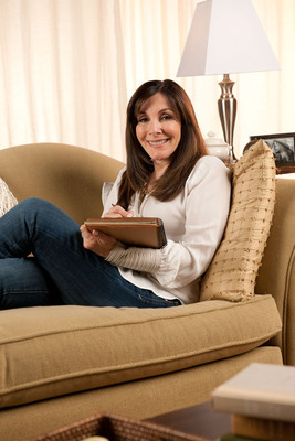 Rewrite Your Day with Mindy Weiss.  (PRNewsFoto/Allergan, Inc.)