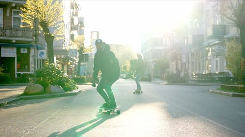 Mellow - The electric drive that fits under any skateboard. Action Shot. Mellow Electric Drive, Urban mobility, Last Mile Vehicle, Electric Skateboard, Electric Longboard, Mellowboard, Mellow Electric Skateboard (PRNewsFoto/Mellow Boards GmbH)