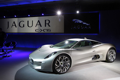 The Jaguar C-X75 Hybrid Supercar is Named Most Significant Concept Vehicle of 2011 and receives the Concept Car of the Year Award.  (PRNewsFoto/Jaguar)