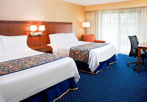 The Courtyard Portland Beaverton has a special package that every guest will love to unwrap.  The Beaverton hotel's Deck the Malls Package includes deluxe accommodations and free high-speed Internet for $149, plus a $50 Visa gift card for every ...
