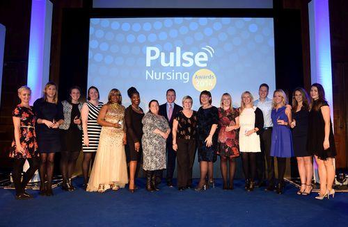 Richard Macmillan, Pulse CEO and Marcella Pergande Pulse London Nursing MD, present Pulse's award winning nurses with their awards (PRNewsFoto/Pulse)