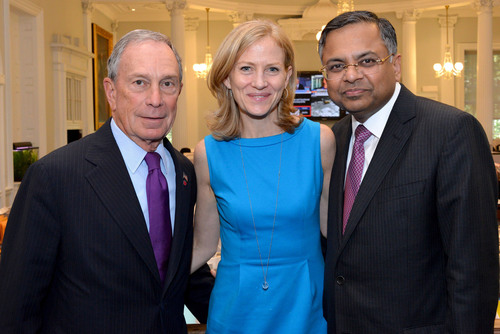New York City Mayor Michael Bloomberg, CEO of New York Road Runners, Mary Wittenberg and CEO and managing director of TCS, Natarajan Chaandrasekaran announce an eight-year partnership with TCS taking on the role of Title Sponsor in 2014 of the New York City Marathon.  (PRNewsFoto/Tata Consultancy Services, New York Road Runners)
