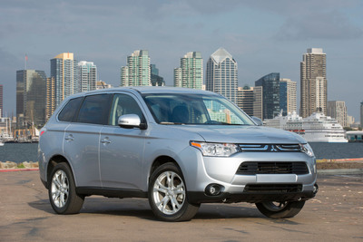 """2014 Mitsubishi Outlander Designated an IIHS TOP SAFETY PICK+. The 2014 Mitsubishi Outlander was designated an Insurance Institute for Highway Safety (IIHS) 2013 TOP SAFETY PICK+. Only 3 out of a total of 15 vehicles tested in the category were designated as a """"2013 Top Safety Pick+"""" by the Insurance Institute for Highway Safety (IIHS) - two of them being Mitsubishi vehicles (2013/2014 Outlander Sport and 2014 Outlander).(PRNewsFoto/Mitsubishi Motors North America, Inc.) (PRNewsFoto/MITSUBISHI MOTORS NORTH AMERICA)"""