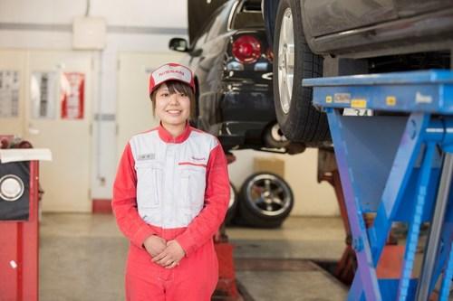 Female mechanic at Nissan dealership in Kanagawa, Japan (PRNewsFoto/Renault-Nissan Alliance) (PRNewsFoto/Renault-Nissan Alliance)