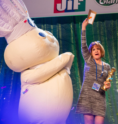 "And the Winner is...  Glori Spriggs is named the $1 million grand prize winner at the 46th Pillsbury Bake-Off(R) Contest for her original recipe for Loaded Potato Pinwheels. She will appear on ""The Queen Latifah Show"" on Thursday, November 14, 2013.  (PRNewsFoto/Pillsbury)"