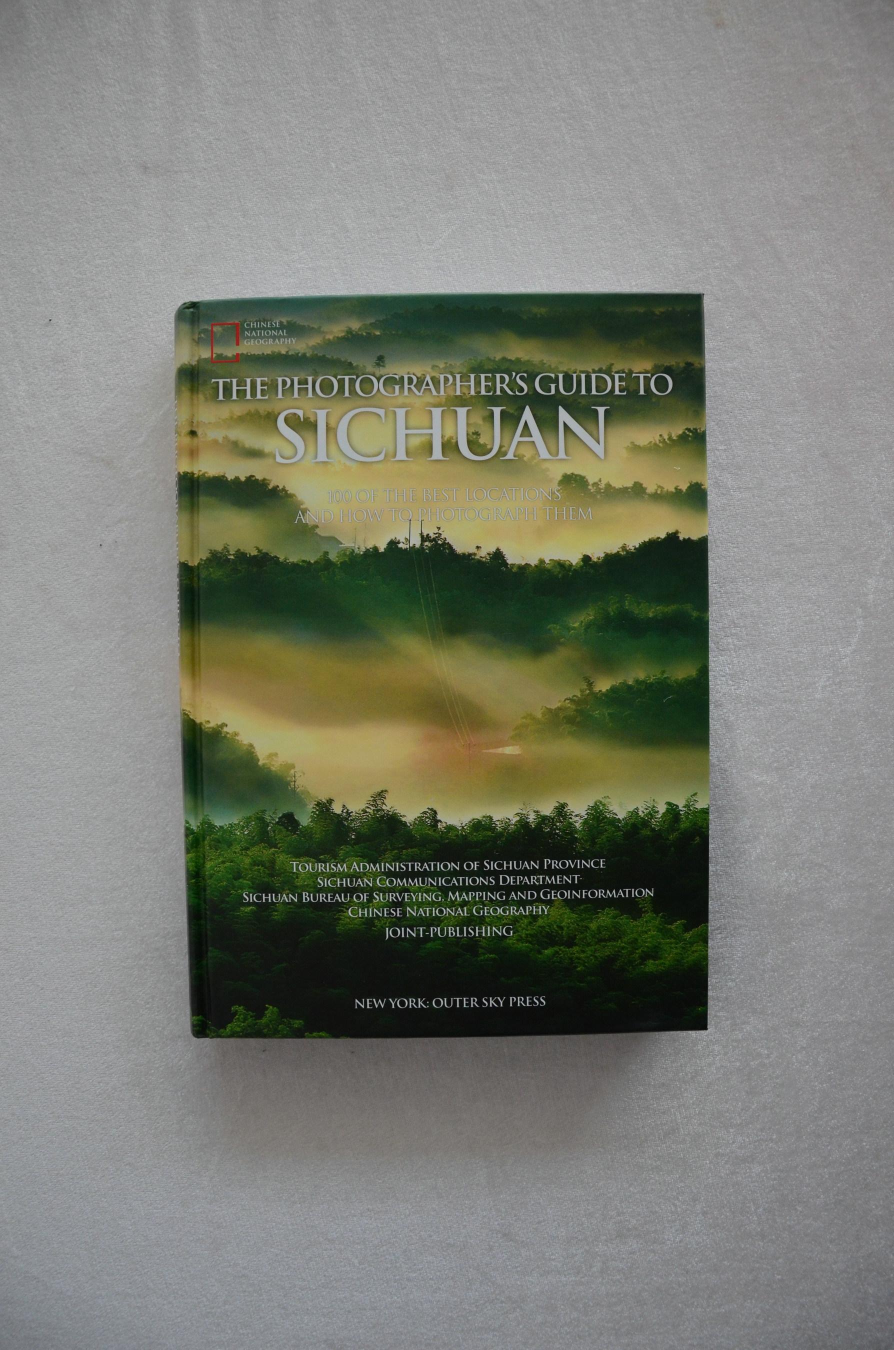 La version anglaise du livre The Photographer's Guide to Sichuan est lancée à Shanghai