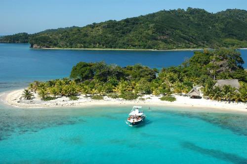 Cayos Cochinos is a key area in the Mesoamerican Reef System. It is located 30 km from La Ceiba. Photo: Juan Bendeck. (PRNewsFoto/CANATURH) (PRNewsFoto/CANATURH)