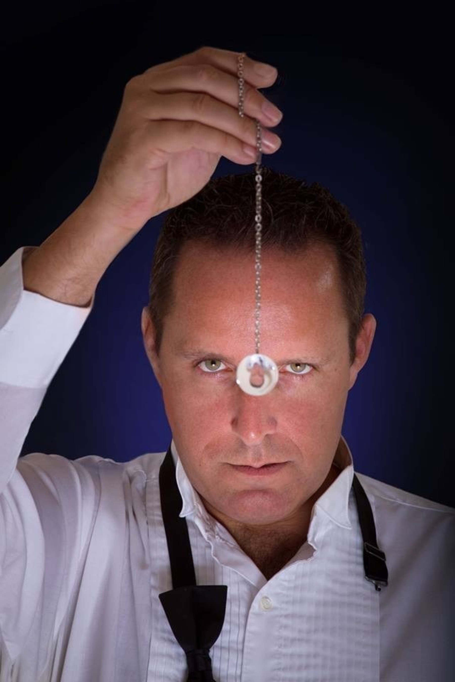 Record Number Turning to World Famous Hypnotist Richard Barker for New Year's Resolution Help