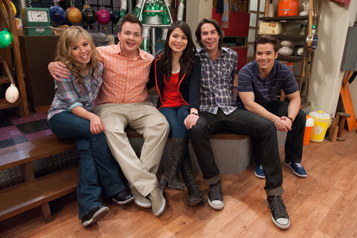 Nickelodeon's Groundbreaking Hit Comedy iCarly Concludes Its Five-season Run With A Special