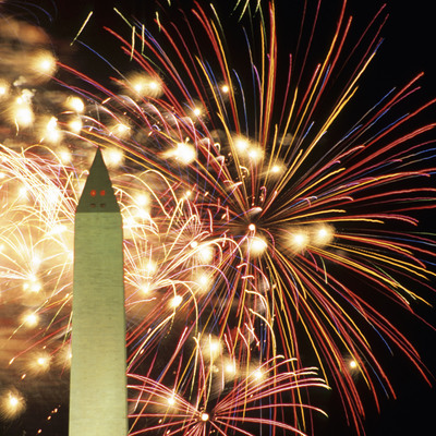 Only in Washington, DC: July 4th on the National Mall.  This image must be used in conjunction with the news release with which it was originally distributed. Hisham Ibrahim/Photographer's Choice/GettyImages (PRNewsFoto/Destination DC)