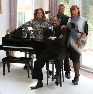 L-R: Kierra Sheard, Bishop J.Drew, J.Drew and Karen Clark Sheard  Watch the gospel super star family, THE SHEARDS, as they take viewers on a drama filled ride  premiering Sunday, April 7th at 10 P.M. ET/PT on BET Networks. / Courtesy of BET Networks.  (PRNewsFoto/BET Networks)