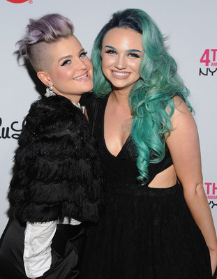 Host Kelly Osbourne with Mykie, the 2015 Beauty Vlogger of the Year, at the 4th Annual NYX FACE Awards