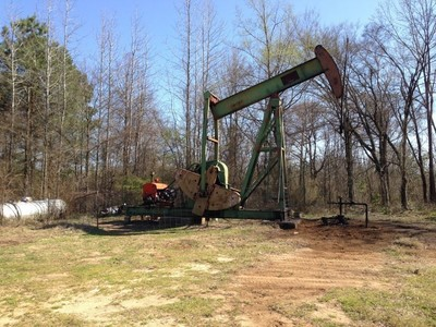 Whelan #6 Producing Oil Well (In Production since 1955) (PRNewsFoto/Silver Tusk Oil Company, LLC)