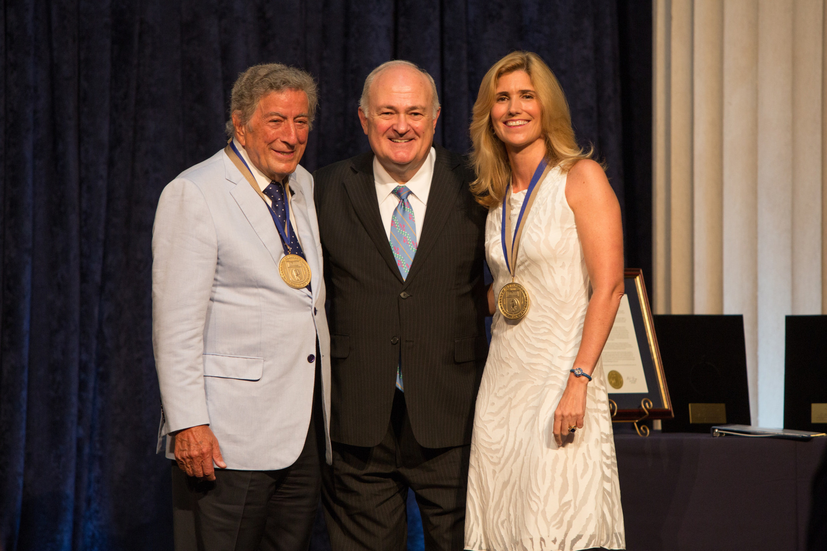 Tony Bennett and his wife Susan Benedetto honored by George Washington University for their commitment to the Arts. (l-r) Bennett, GW President Steven Knapp and Benedetto.
