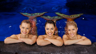 """MAKO MERMAIDS,"" SEQUEL TO GLOBAL SMASH HIT SERIES ""H2O - JUST ADD WATER"" COMING EXCLUSIVELY TO NETFLIX IN JULY.  (PRNewsFoto/Netflix, Inc.)"