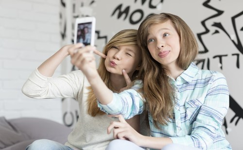 market Research into teenagers' fashion worlds using mobile Research, ethnography, insights, kids, authentic, cross-cultural, teenagers, smartphones, mobile (PRNewsFoto/Happy Thinking People) (PRNewsFoto/Happy Thinking People)
