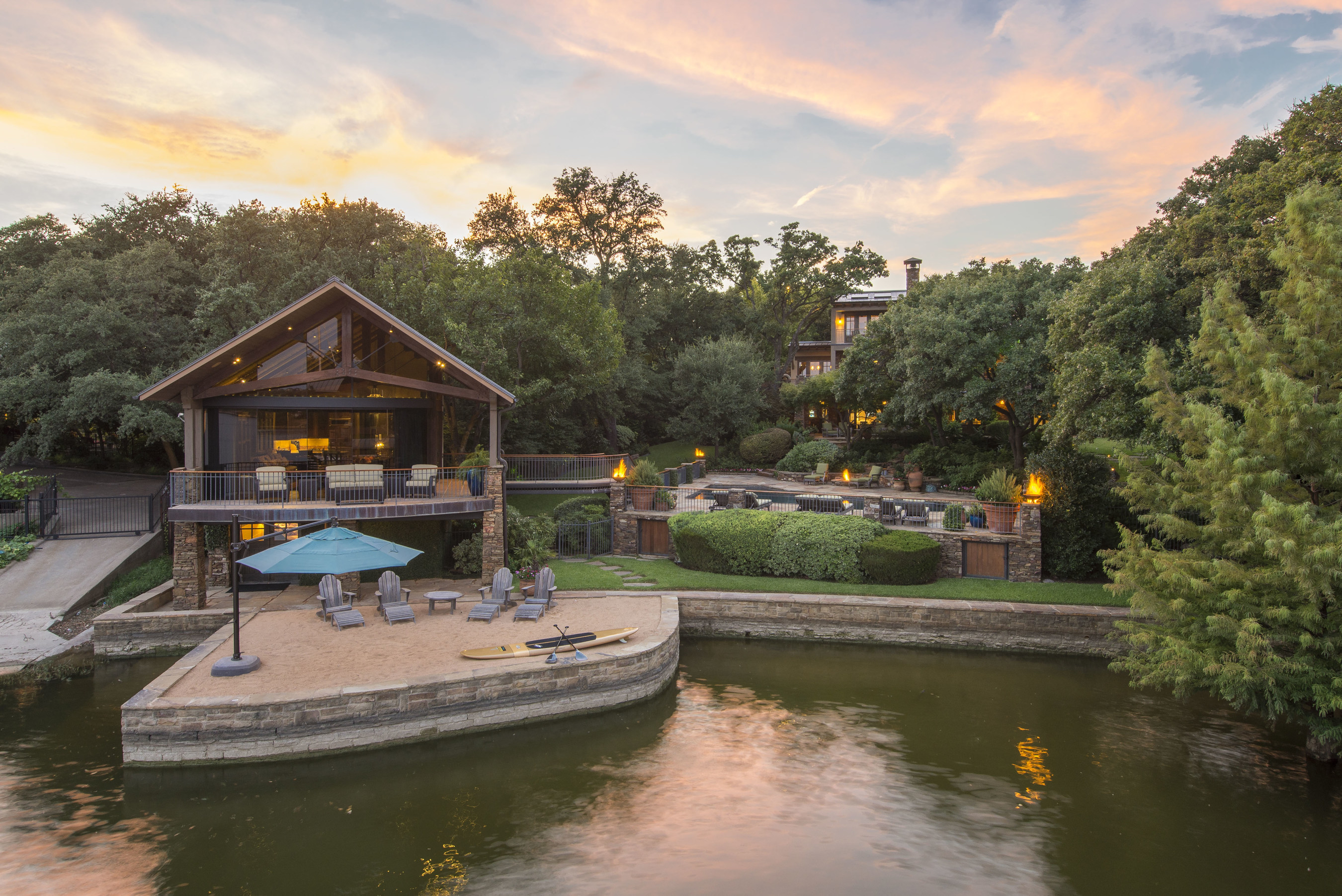 Texas Retreat Overlooking Fort Worth's Picturesque Eagle Mountain Lake To Sell At Auction Through Concierge Auctions