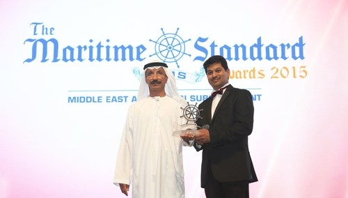 Winner of The Maritime Standard Hall of Fame Award: Sultan Ahmed bin Sulayem, Chairman, DP World along with Trevor Pereira, Managing Director, The Maritime Standard. (PRNewsFoto/Flagship Events)