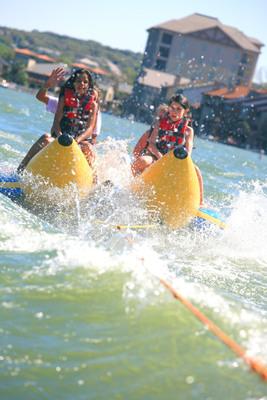 Family fun at Horseshoe Bay Resort in Texas over spring break.  (PRNewsFoto/Horseshoe Bay Resort)